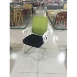 绿色网布弓型椅