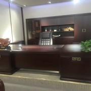 香河国景办公家具烤漆总裁大班台保养方法